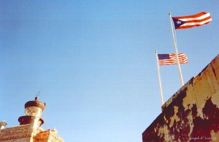 Flags on El Morro.jpg