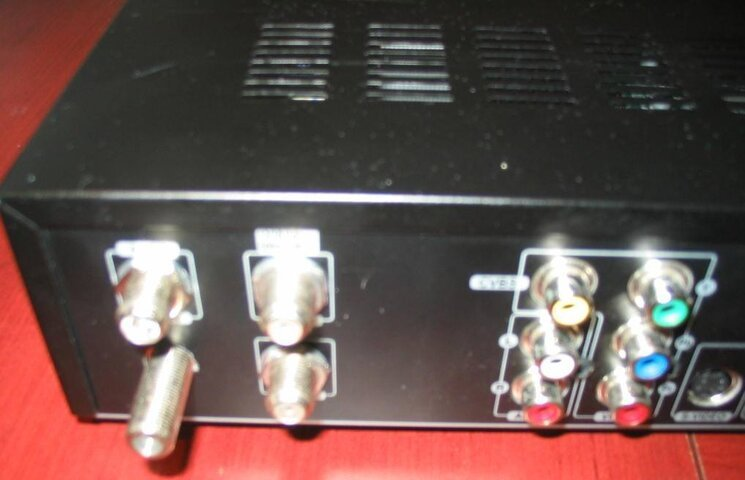 SV 8000 HD with ATSC Loop Through Port.jpg