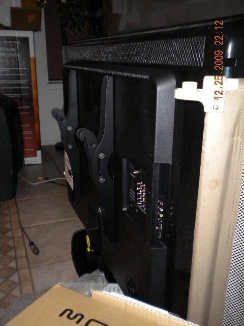 03s.TV.rear.hangers.440.jpg