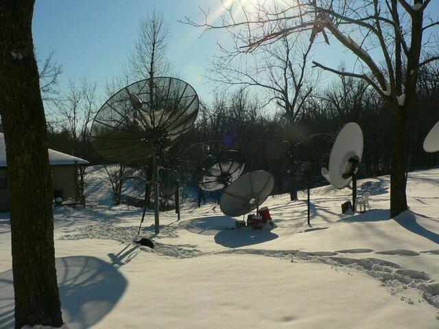 Sat Dish Farm Snow 01-30-10.JPG